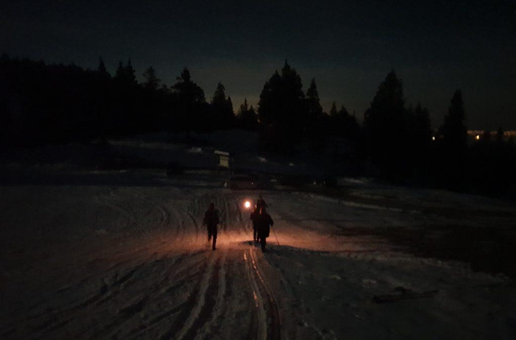 Romantični pohod z baklami na Krvavec ob polni luni –  21. marec 2019